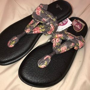{Sanuk Yoga Mat Sandals}